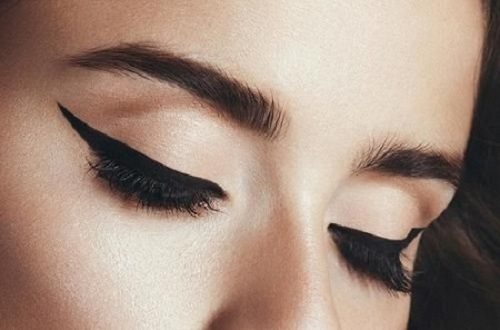 Cat-eye make-up estivo