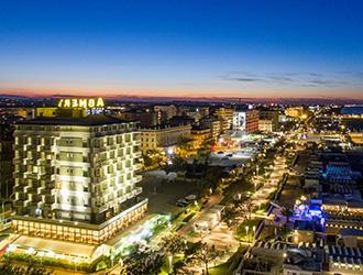 Vacanze Riccione Estate 2019: Offerte Hotel per le vostre ...